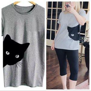 Super cute peeking-cat lightweight tee shirt